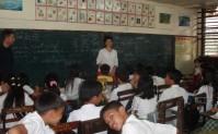 女性の会員のフィリピンでの授業風景